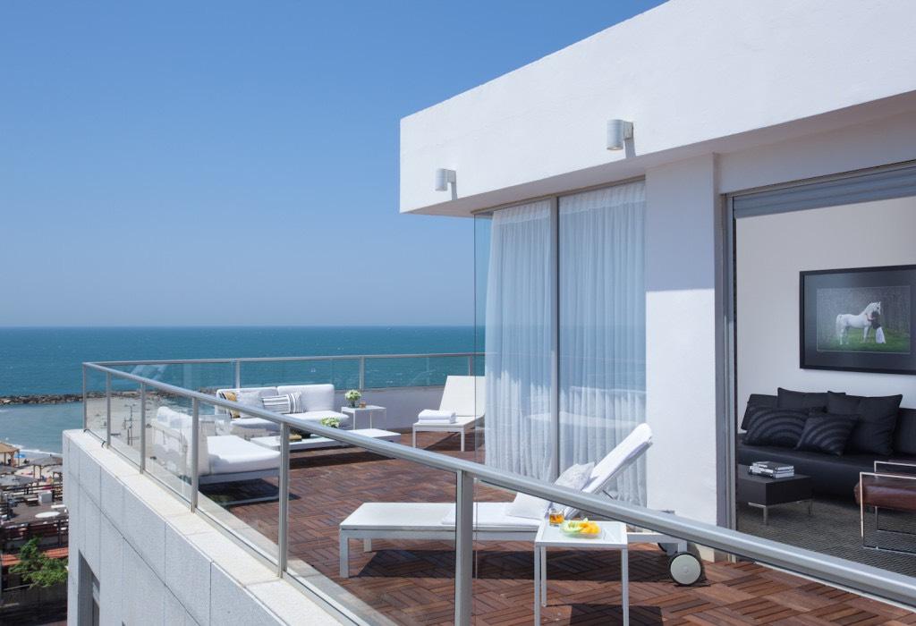 Beach Penthouse - Private Deck1