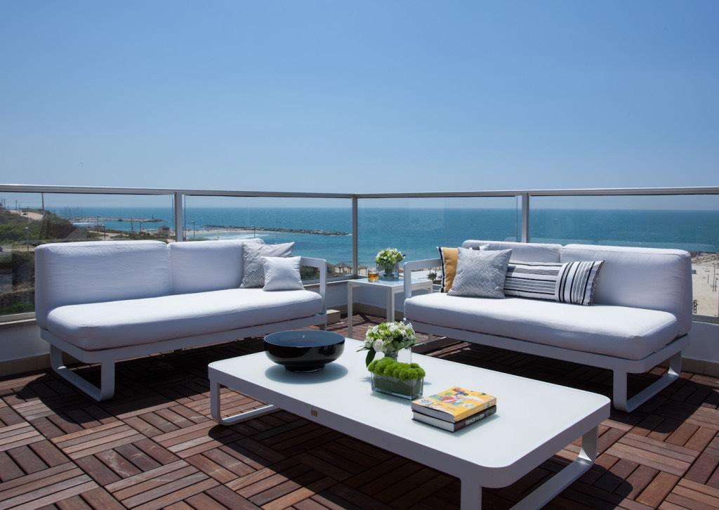 Beach Penthouse - Private Deck2