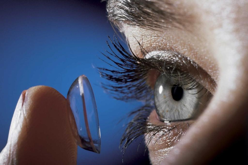 линзами и очками