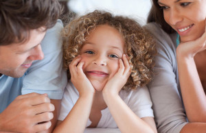 Фразы, которые настроят на счастье в отношениях родителей и детей