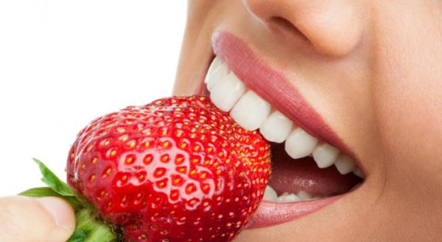 народные способы отбелить зубы