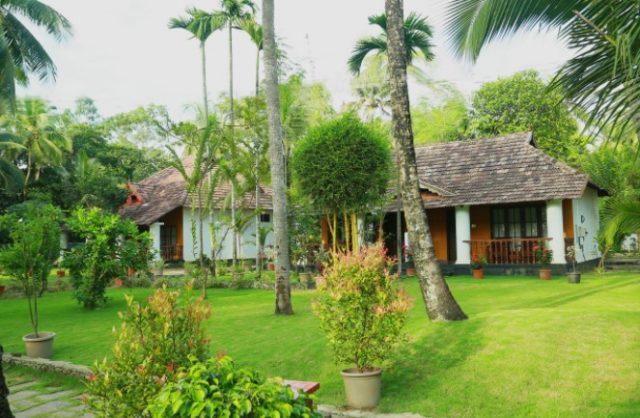 отели в Керала с собственным пляжем Yantra Ayurvedic Resort