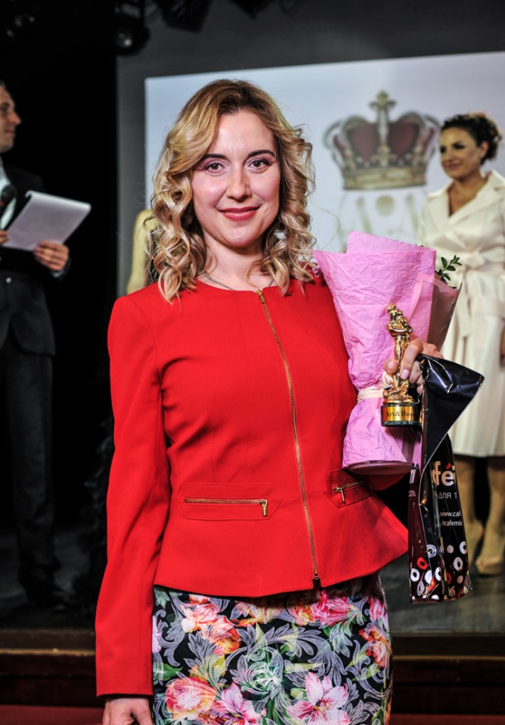YULIA-MAMONTOVA-ART-BUSINESS-AWARDS-2019