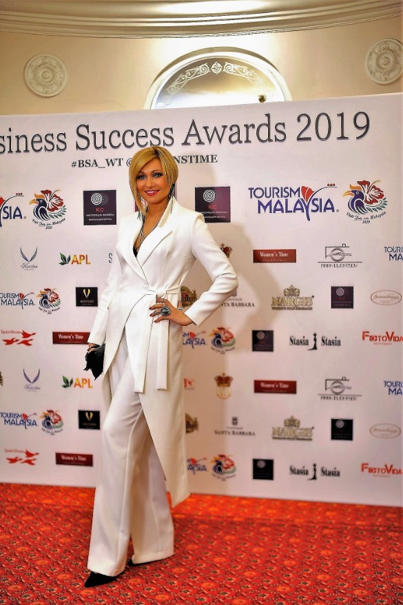 angelica-agurbash-business-success-awards-2019-womens-time4