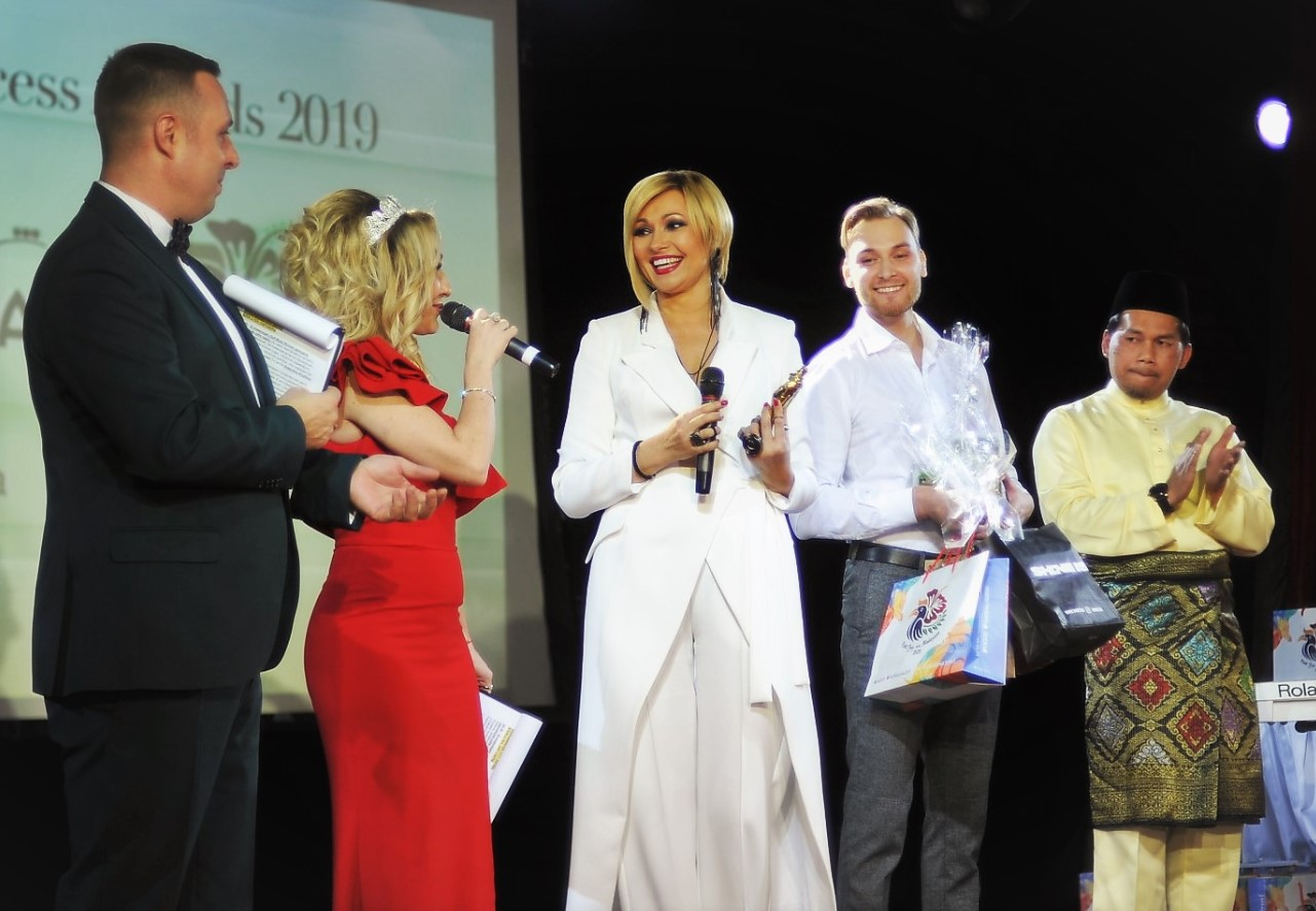 daniel-sushkov-angelica-agurbash-business-success-awards-2019