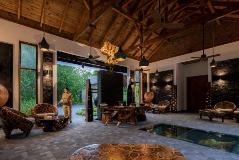 vstrechajte-pashu-vmeste-s-movenpick-resort-kuredhivaru-maldives-2