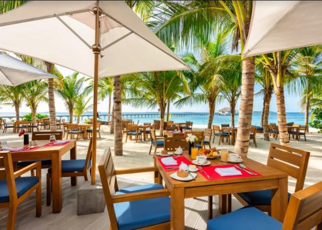 maldivy-movenpick-resort-kuredhivaru-maldives-1