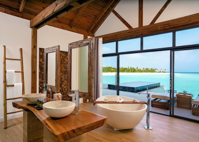 maldivy-movenpick-resort-kuredhivaru-maldives-4