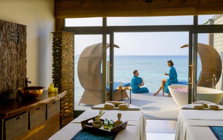 maldivy-movenpick-resort-kuredhivaru-maldives-5